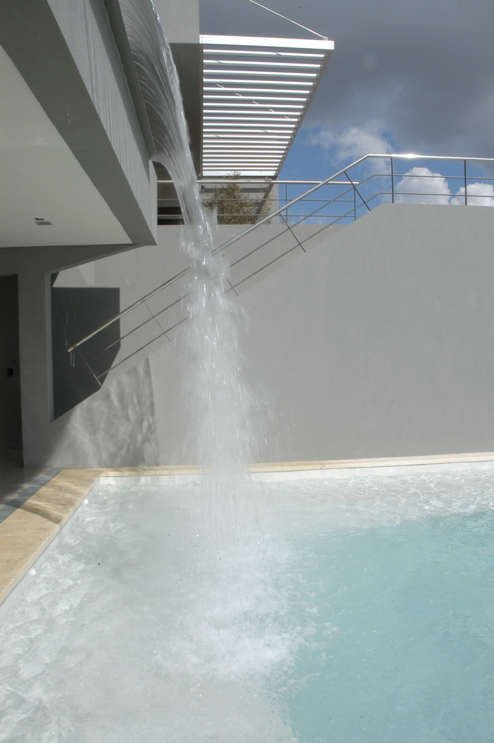 Casa de la Cascada, Andres Remy Arquitectos, diseño, arquitectura, casas, sustentabilidad