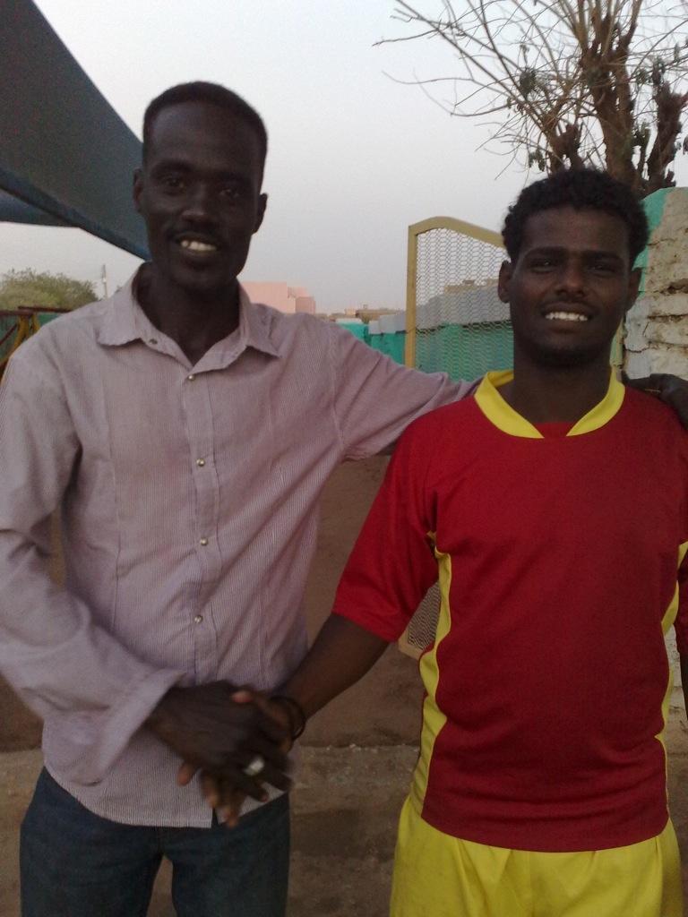 شباب عشرين يحرزون كأس بطولة الشهداء بالصحافة وجبرة 110220121596