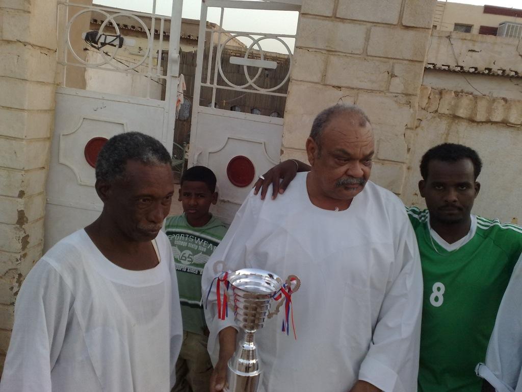 شباب عشرين يحرزون كأس بطولة الشهداء بالصحافة وجبرة 110220121562