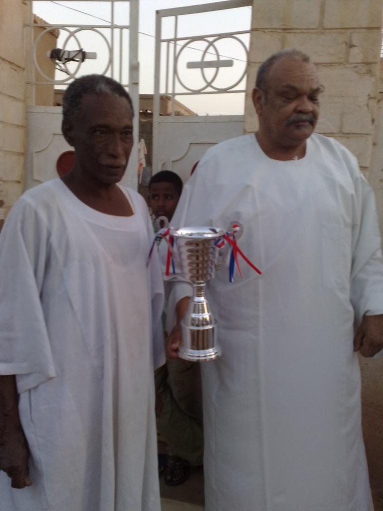 شباب عشرين يحرزون كأس بطولة الشهداء بالصحافة وجبرة 110220121563