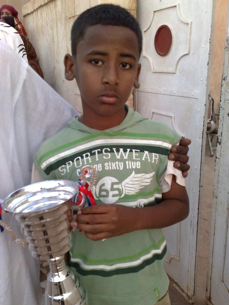 شباب عشرين يحرزون كأس بطولة الشهداء بالصحافة وجبرة 110220121568