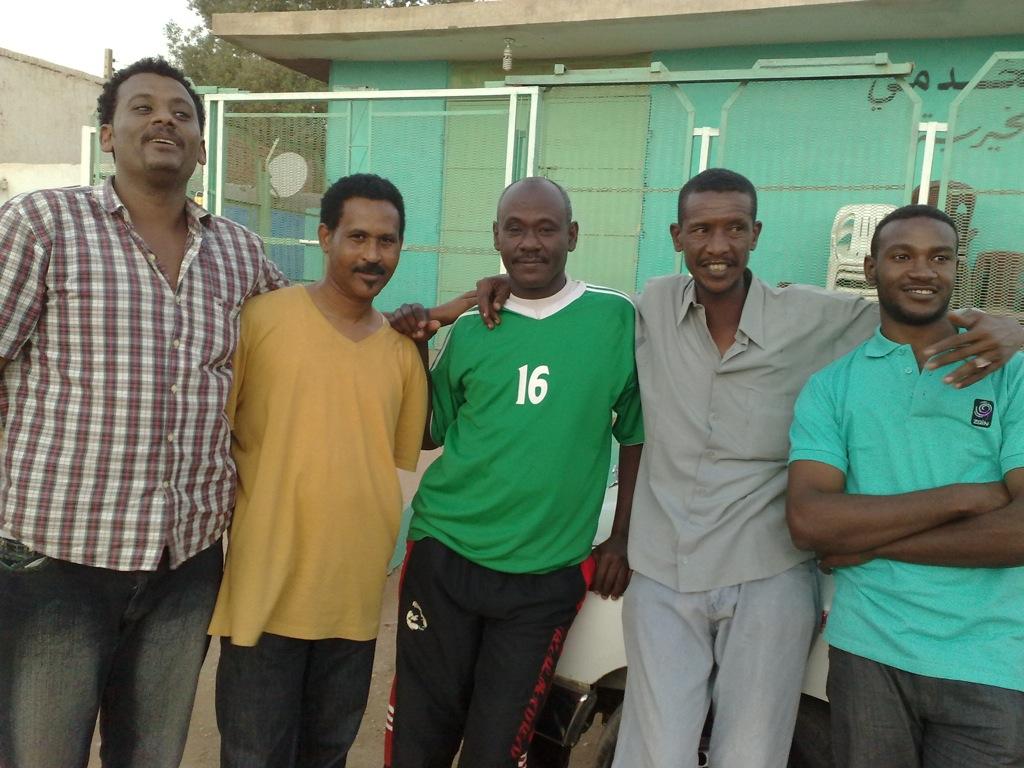 شباب عشرين يحرزون كأس بطولة الشهداء بالصحافة وجبرة 110220121571
