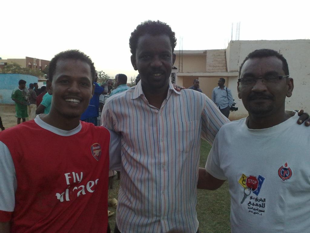 شباب عشرين يحرزون كأس بطولة الشهداء بالصحافة وجبرة 110220121590