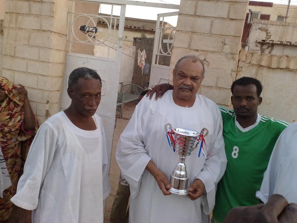 شباب عشرين يحرزون كأس بطولة الشهداء بالصحافة وجبرة 110220121561